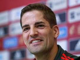 Robert Moreno rasga elogios a Ramos.  EFE/Emilio Naranjo