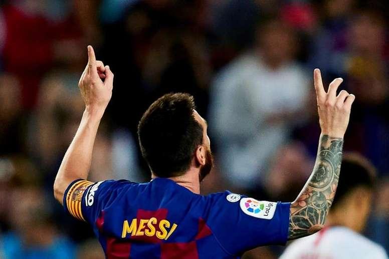 Messi, un maestro desde fuera del área. EFE/Alejandro García