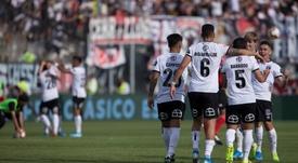 Chile seguirá sin fútbol y los tres grandes piden unidad. EFE/Alberto Valdes