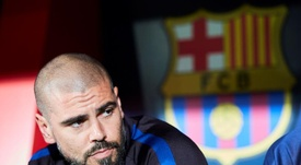 El ex del Barça protestó por una falta no señalada. EFE