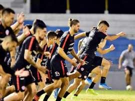 Chile jugará en noviembre ante Bolivia y Perú. EFE