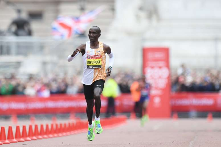 El atleta keniata Eliud Kipchoge. EFE/FACUNDO ARRIZABALAGA/Archivo