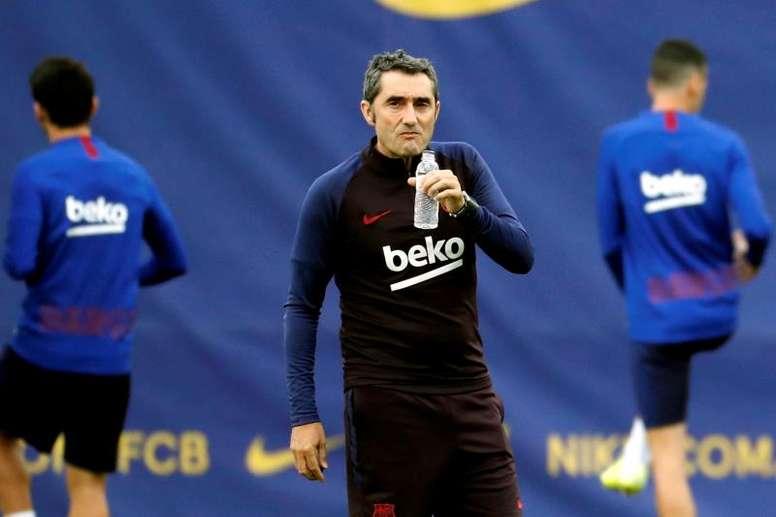 Muitas críticas ao técnico do Barcelona. EFE/Toni Albir/Archivo
