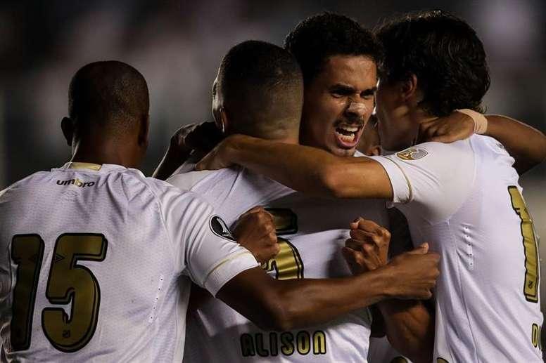 Santos vira, goleia o Cruzeiro e assume a vice-liderança. EFE/Fernando Bizerra Jr/Arquivo