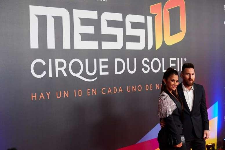 Messi acompanha a estreia do seu espetáculo do Cirque du Soleil. EFE