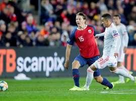 Rodrigo no acabó el entrenamiento de España. EFE