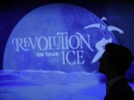 El patinador madrileño Javier Fernández durante la presentación del proyecto Revolution on Ice on Tour 2018 en Madrid. EFE/Javier Lizón/Archivo