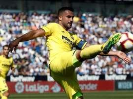 Mario Gaspar animó a sus compañeros del Villarreal. EFE