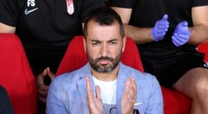 Diego Martínez está orgulhoso do seu time. EFE/Pepe Torres
