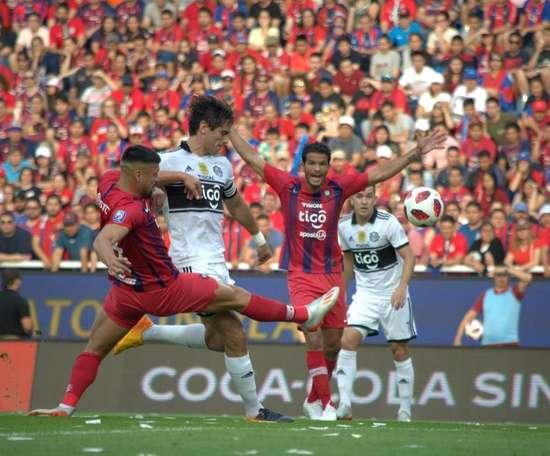 Olimpia se mide a Atlético River Plate. EFE