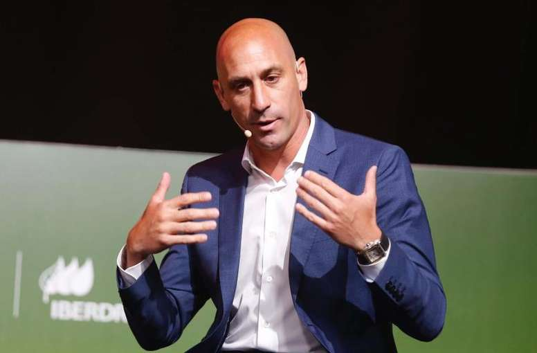 Rubiales wants the 2030 World Cup, 'AS' say. EFE/Paco Campos
