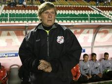 Nacional Potosí homenajeó a  Pérez García. EFE