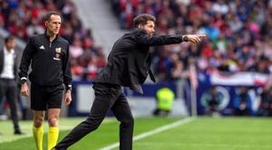 Simeone a esquivé les questions sur la possible arrivée de Cavani à l'Atlético de Madrid. EFE