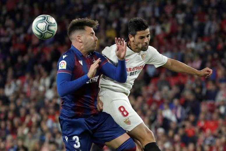 Sevilla-Levante: nueva oportunidad de Paco López ante Lopetegui. EFE