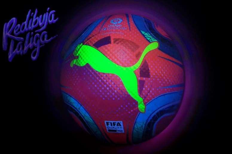 Los embajadores de LaLiga y sus impresiones sobre el nuevo balón. EFE/Fernando Alvarado