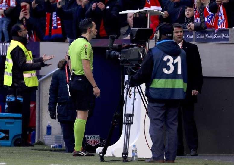 Las elecciones afectan al árbitro del Deportivo-Elche. EFE/Archivo