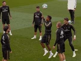 Bale, James, Varane e Benzema ficam na academia. EFE/Emilio Naranjo/Archivo