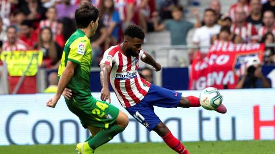 Atletico Madrid have 15 days to look for a new club for Lemar (R). EFE