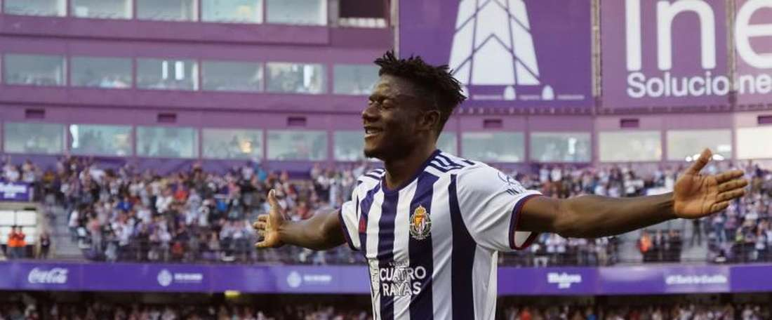 Salisu is one of the young African players who are cheap to buy. EFE