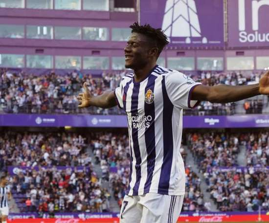 Southampton to sign Salisu, one of LaLiga's top talents. EFE