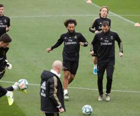 Real Madrid returned to training after Christmas and Marcelo (C) was back with the group. EFE