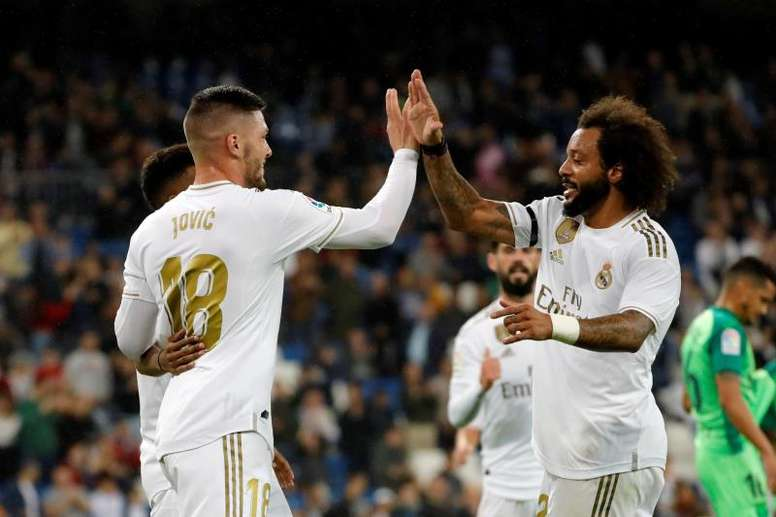 Marcelo (R) might play instead of Mendy against Celta. EFE