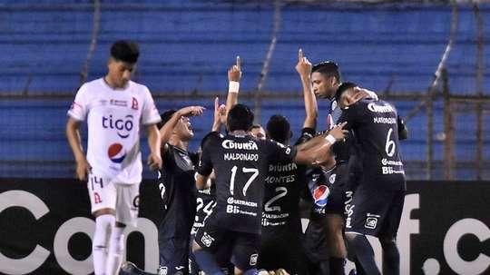 Motagua cede sus primeros puntos. EFE/José Valle