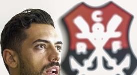Pablo Marí se aleja del Arsenal. EFE