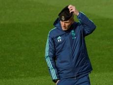 Zidane mostró su apoyo a Bale. EFE/Emilio Naranjo