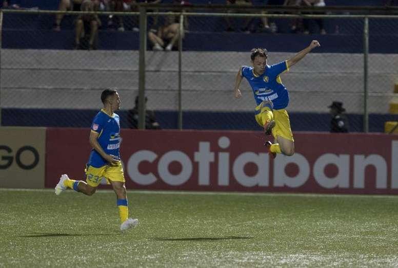 Los visitantes dan el golpe en el debut. EFE/Jorge Torres/Archivo