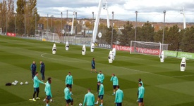 Real Madrid trained without a few players like James and Bale. EFE