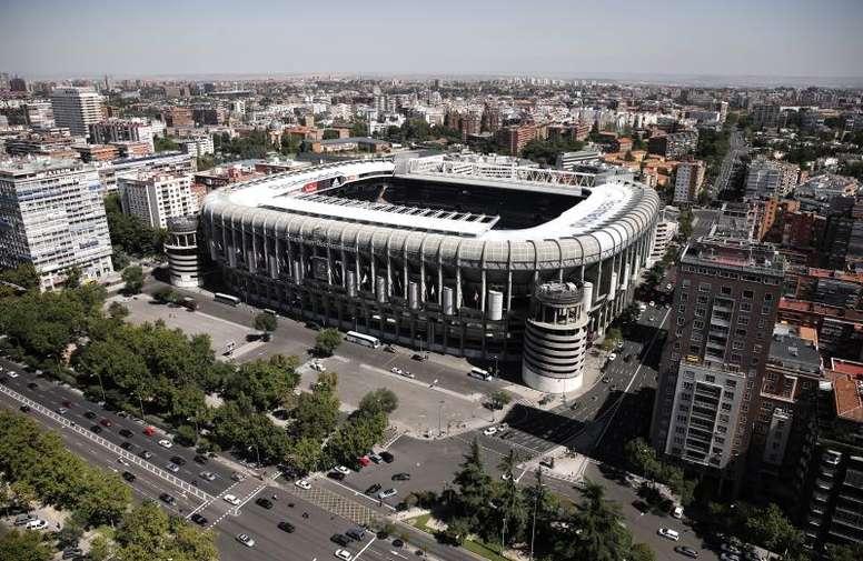 El Santiago Bernabéu y el Camp Nou son los mejores valorados. EFE