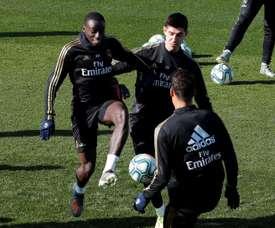 Real Madrid volta ao trabalho com Modric e sem James. EFE/Chema Moya