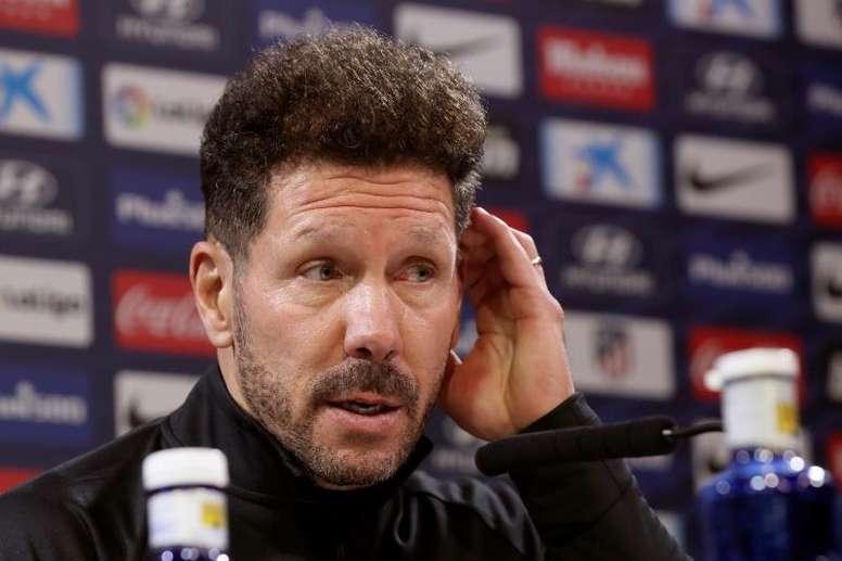 Simeone cree que el Atleti mejorará cuando se recuperen Savic, Giménez y Joao Félix. EFE