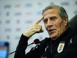 Tabárez anunció un equipo joven ante Hungría. EFE
