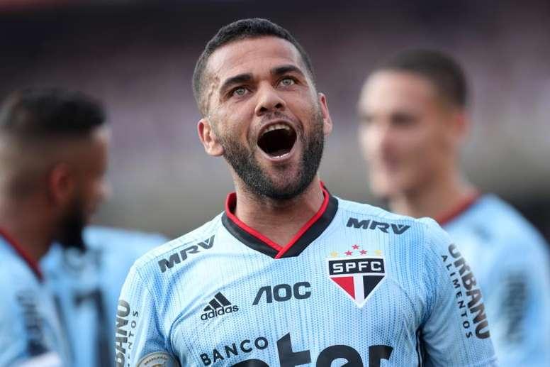 Flamengo tentou atravessar o São Paulo por Daniel Alves, revela dirigente