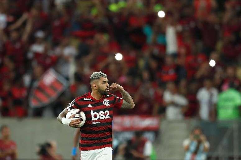 Flamengo gana y aprovecha el tropiezo de Palmeiras. EFE