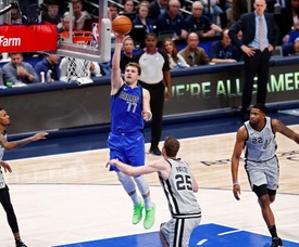 Dallas Mavericks guard Luka Doncic (C-L) in action during the NBA game between the San Antonio Spurs and the Dallas Mavericks at the American Airlines Center in Dallas, Texas, USA, 18 November 2019. EFE/EPA/LARRY W. SMITH SHUTTERSTOCK OUT
