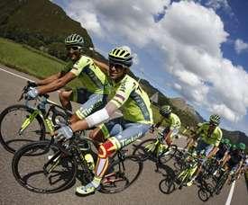 Alberto Contador (d) con el italiano Daniele Bennati (i), en una imagen de archivo. EFE/Javier Lizón/Archivo