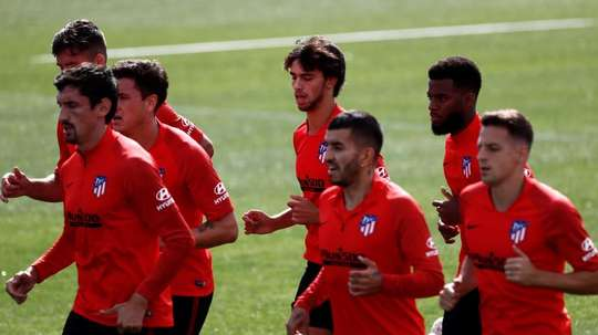 El Atlético se enfrenta al Granada en Liga. EFE