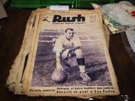Varios objetos históricos del fútbol uruguayo salieron a subasta. EFE