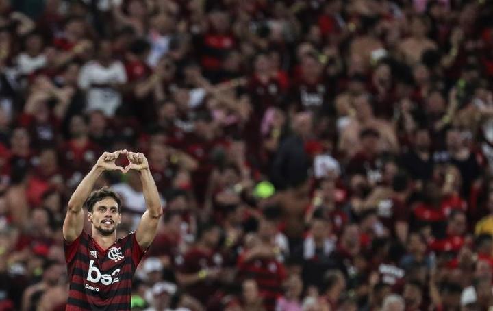 Recuperado, Rodrigo Caio volta e Rogério Ceni ganha dilema na zaga. EFE/Antonio Lacerda/Arquivo