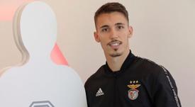 Grimaldo cree que el Oporto es el rival a batir en la Liga Portuguesa. EFE