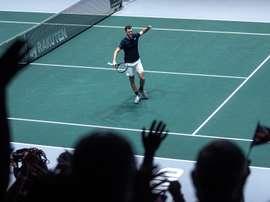 El tenista de Gran Bretaña Jamie Murray, que forma pareja con Neal Skupski ante los de Kazajistán Mikhail Kukushkin y Alexander Bublik durante su partido de dobles de la Copa Davis, este jueves en la Caja Mágica de Madrid. EFE/Rodrigo Jiménez