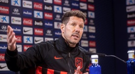Simeone lamentó la ausencia de Costa, operado de una hernia discal. EFE