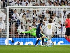 La Real ha encajado 36 goles en sus diez últimas visitas a los blancos. EFE