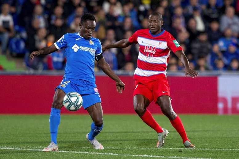 La Premier League souhaite enrôler Djené. EFE