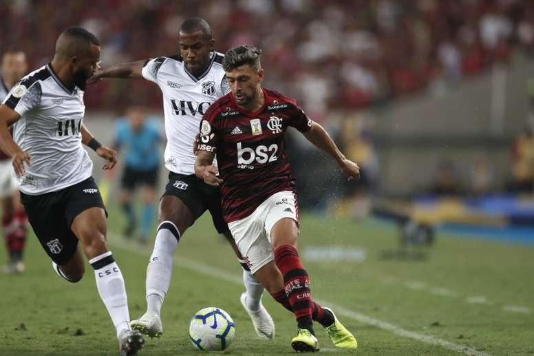 Arrascaeta manifestou vontade pela permanência de Jorge Jesus. EFE/Marcelo Sayão