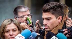 Los ex jugadores de la Arandina, emocionados tras el fallo del TSJCyL. EFE/Santi Otero