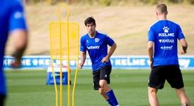 Manu García lamentó el regreso del fútbol sin público. EFE